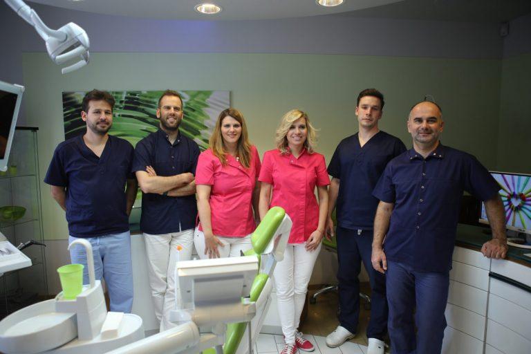 equipe dentaire en hongrie