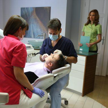 implants dentaires hongrie